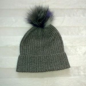 American Eagle beanie winter hat gray with poof